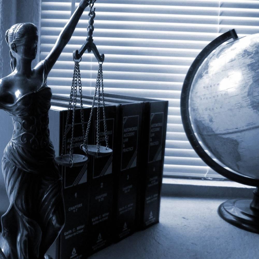 Právo a daně - poradenství pro rodinné firmy