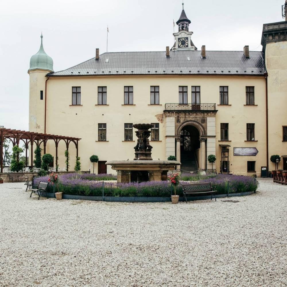 Setkání zámek Zbiroh