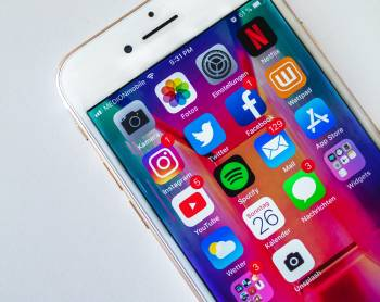 Jak naúspěšnou firemní komunikaci aprezentaci nasociálních sítích